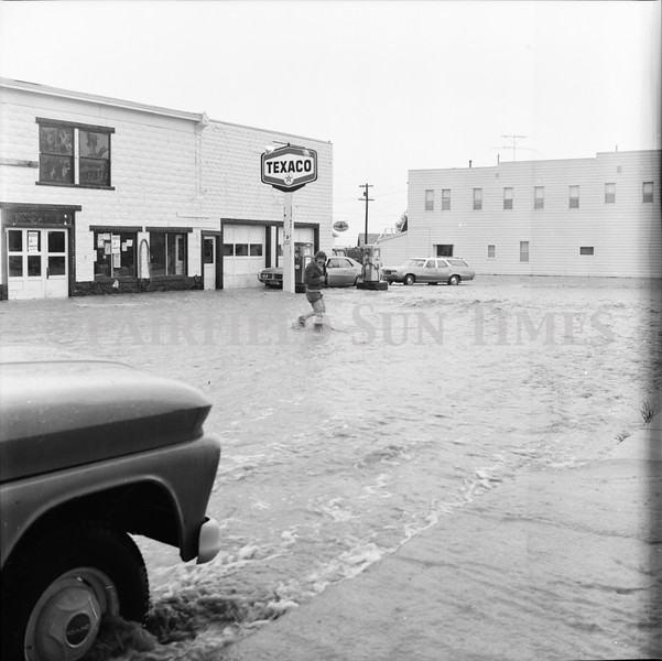 FF Sun Times 1975 Augusta and Sun RIver Flooding_20151112_0037