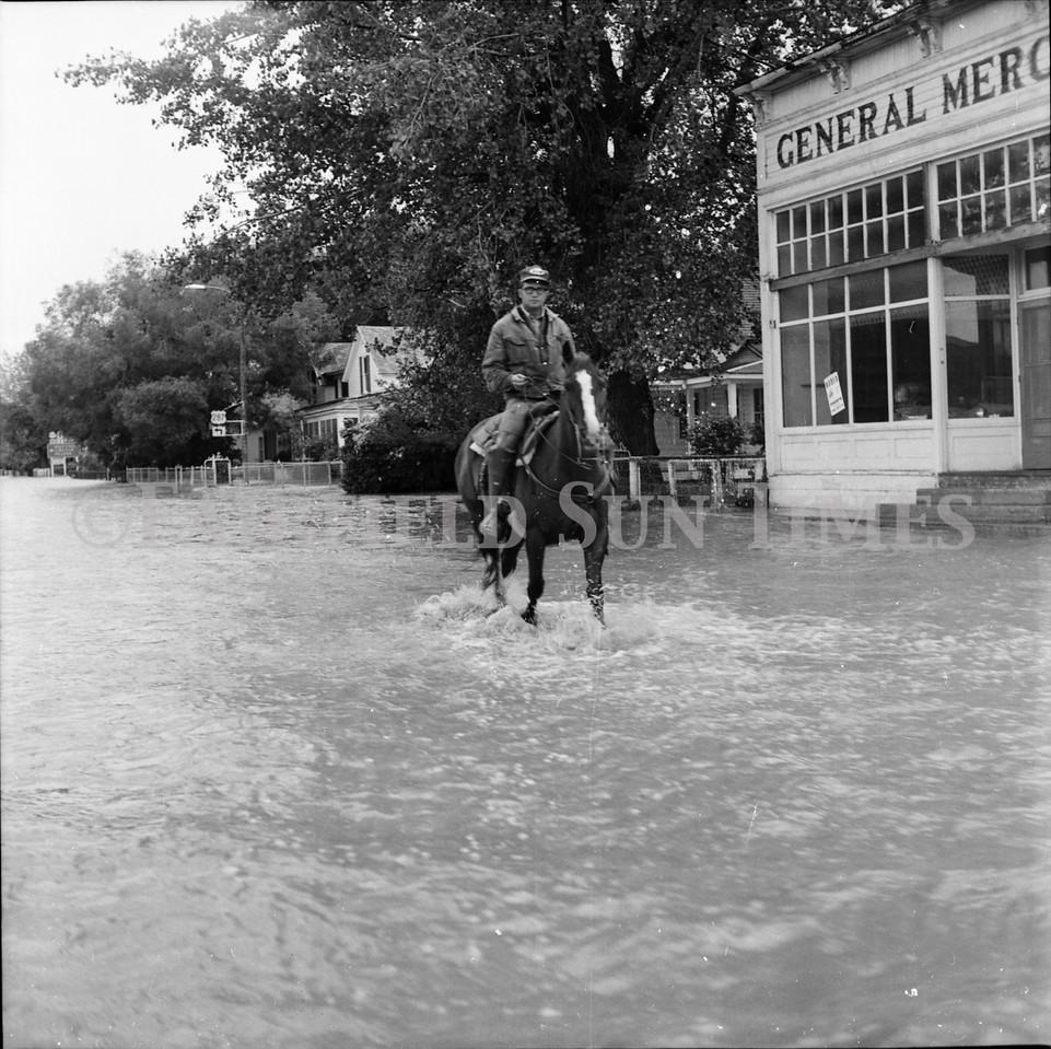 FF Sun Times 1975 Augusta and Sun RIver Flooding_20151112_0048