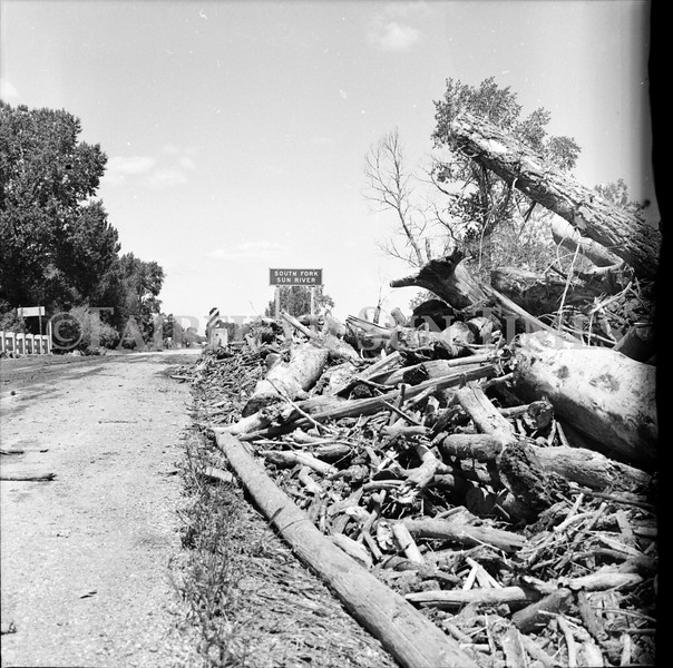 FF Sun Times 1975 Augusta and Sun RIver Flooding_20151112_0030