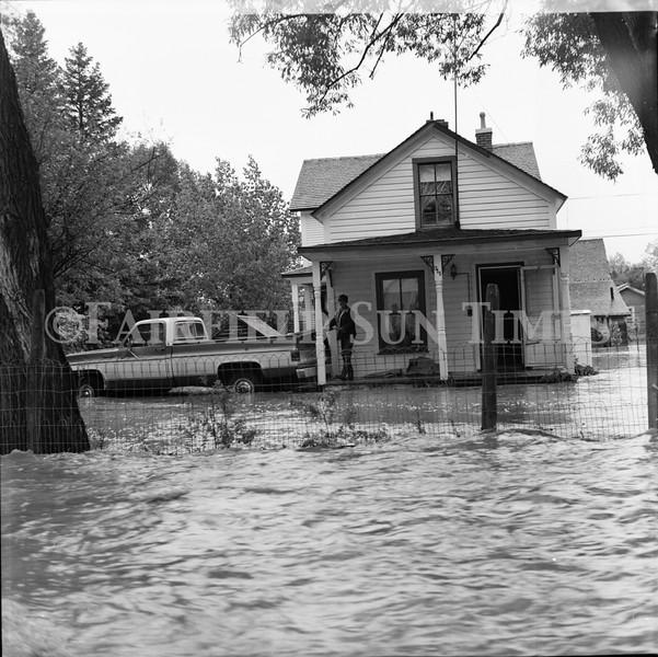 FF Sun Times 1975 Augusta and Sun RIver Flooding_20151112_0039