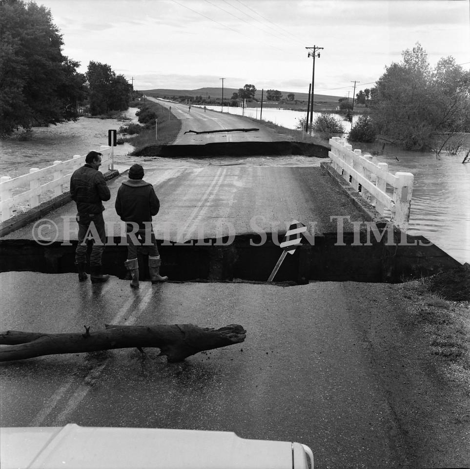 FF Sun Times 1975 Augusta and Sun RIver Flooding_20151112_0032