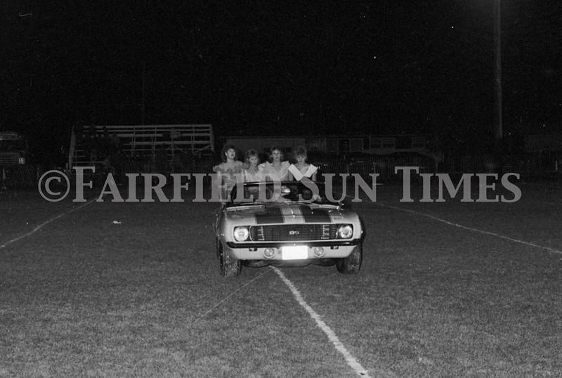1975 10 09 FFT41 Homecoming Royalty and Parade (23)