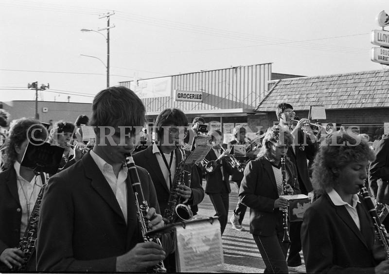 1975 10 09 FFT41 Homecoming Royalty and Parade (17)