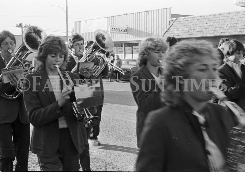 1975 10 09 FFT41 Homecoming Royalty and Parade (18)