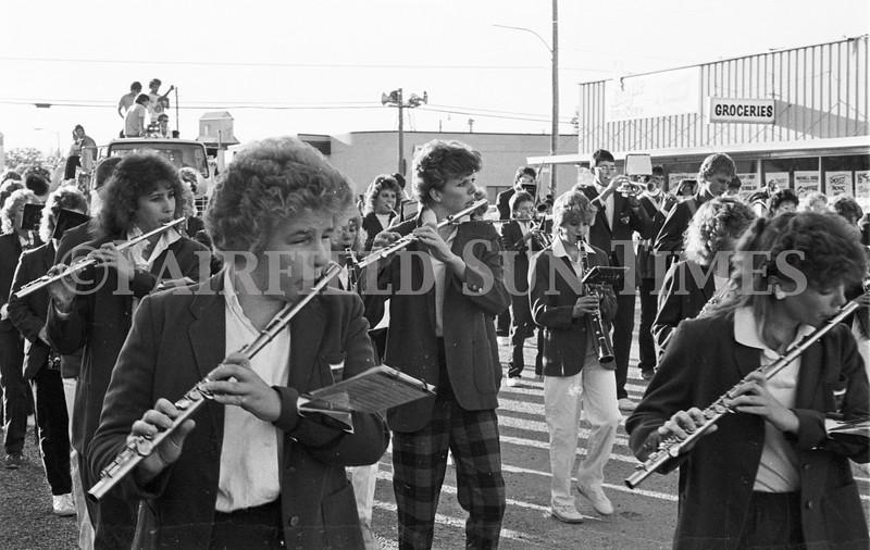 1975 10 09 FFT41 Homecoming Royalty and Parade (3)