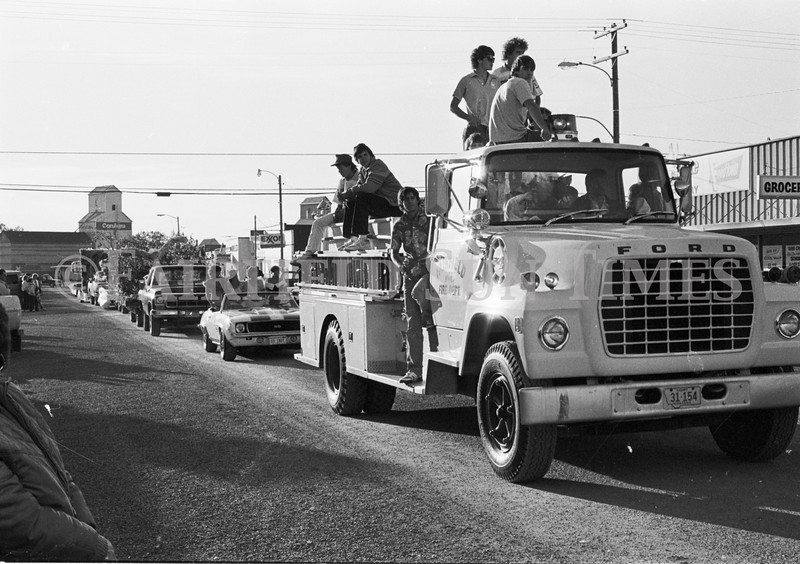 1975 10 09 FFT41 Homecoming Royalty and Parade (19)