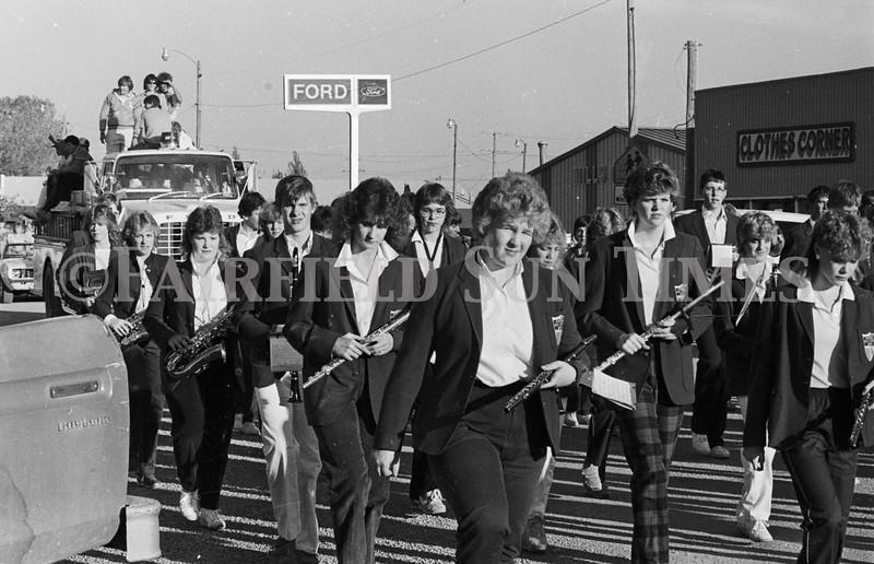 1975 10 09 FFT41 Homecoming Royalty and Parade (15)