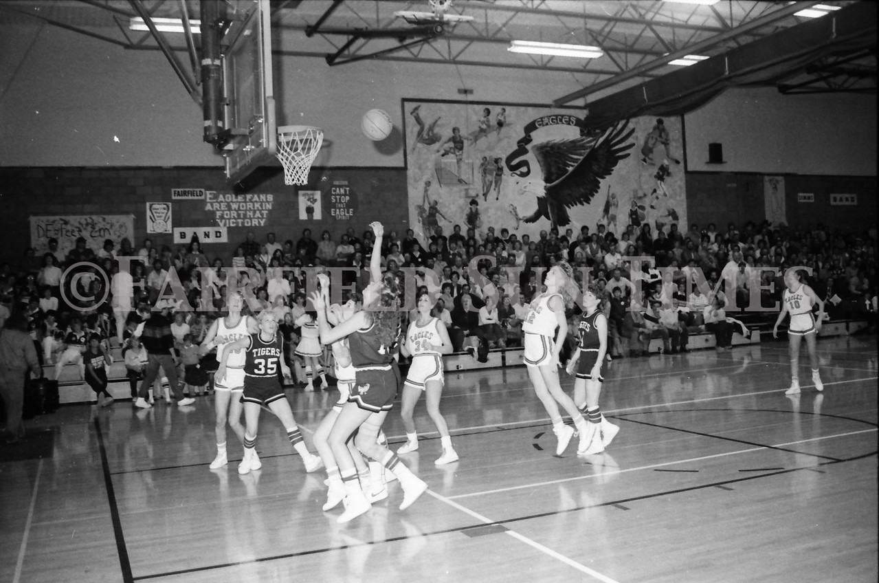 1985 11 14 FF Sun Times Dist 6 Girls BB tourney Eages v Chesgter, Choteau, Simms_20160820_0173