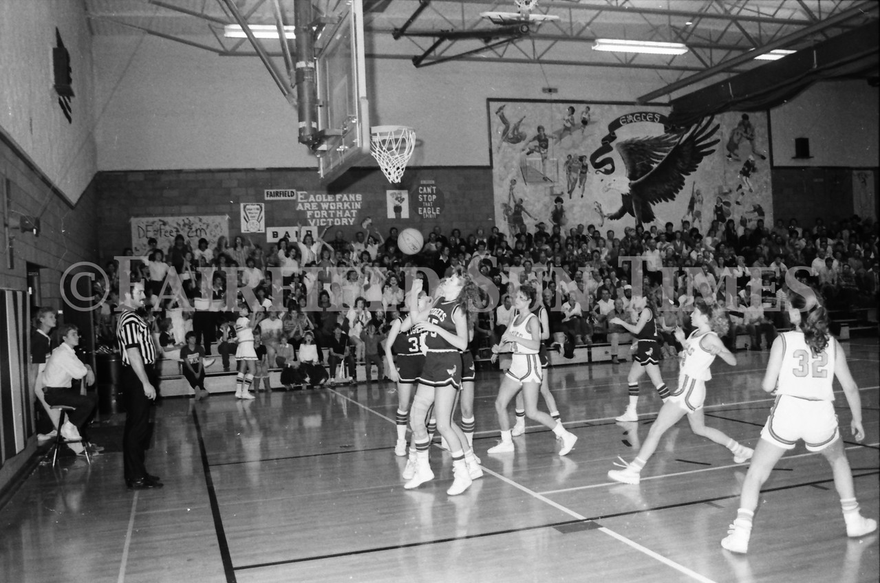 1985 11 14 FF Sun Times Dist 6 Girls BB tourney Eages v Chesgter, Choteau, Simms_20160820_0172