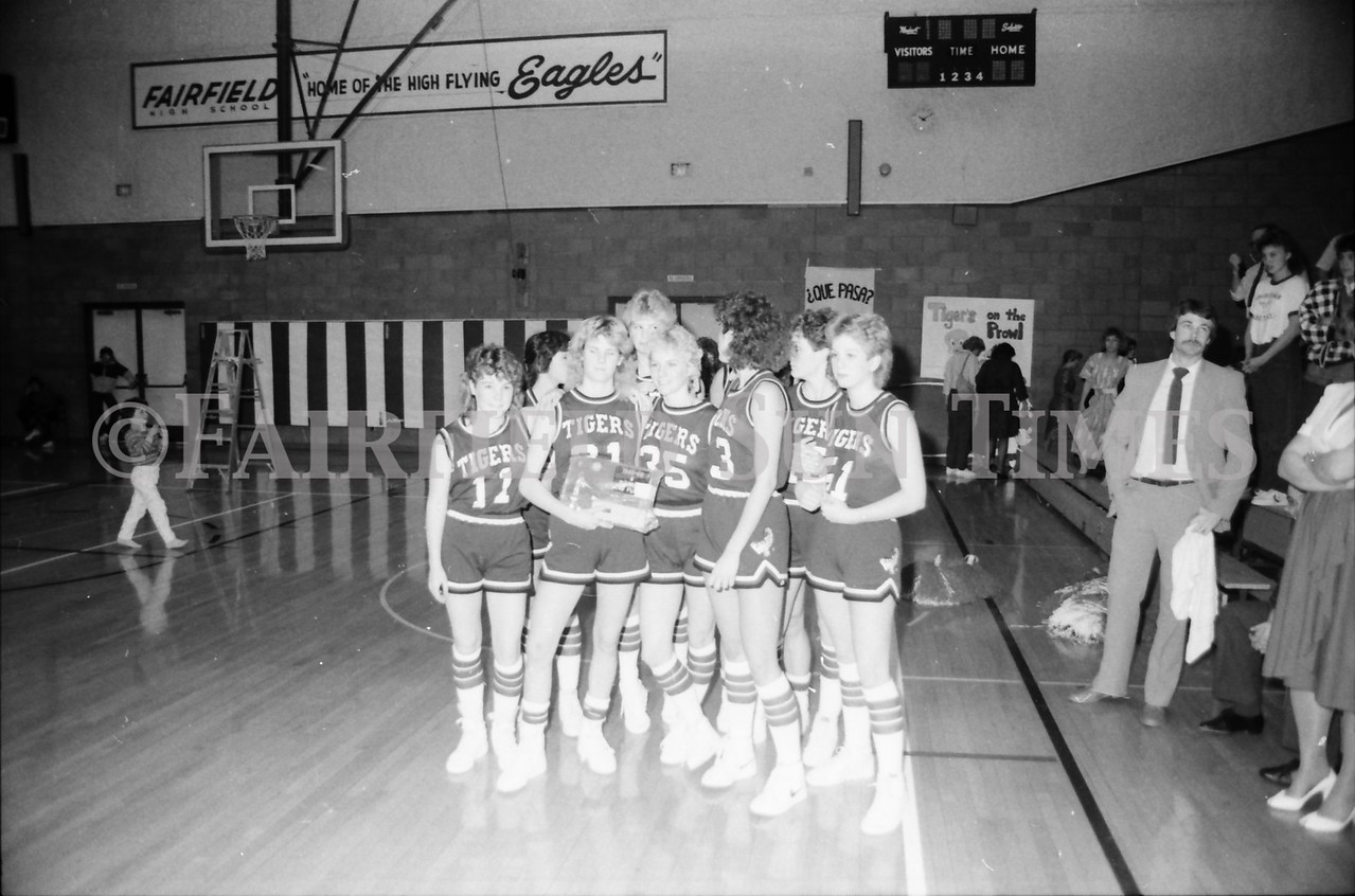 1985 11 14 FF Sun Times Dist 6 Girls BB tourney Eages v Chesgter, Choteau, Simms_20160820_0162