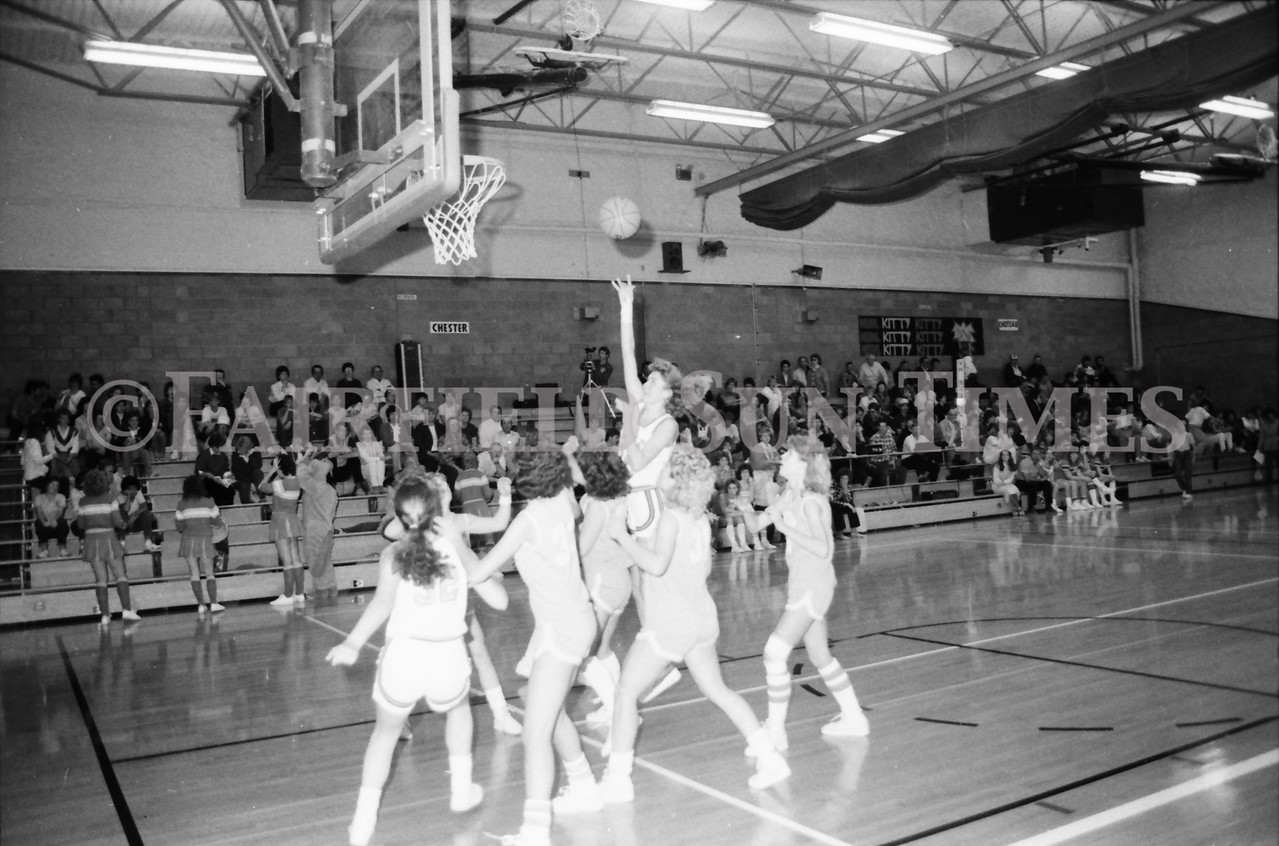 1985 11 14 FF Sun Times Dist 6 Girls BB tourney Eages v Chesgter, Choteau, Simms_20160820_0181