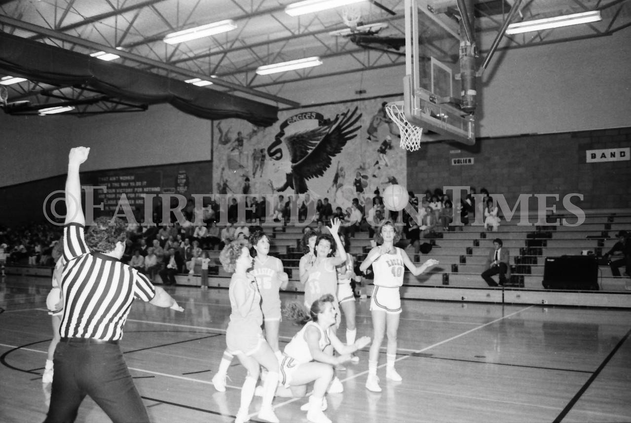 1985 11 14 FF Sun Times Dist 6 Girls BB tourney Eages v Chesgter, Choteau, Simms_20160820_0170