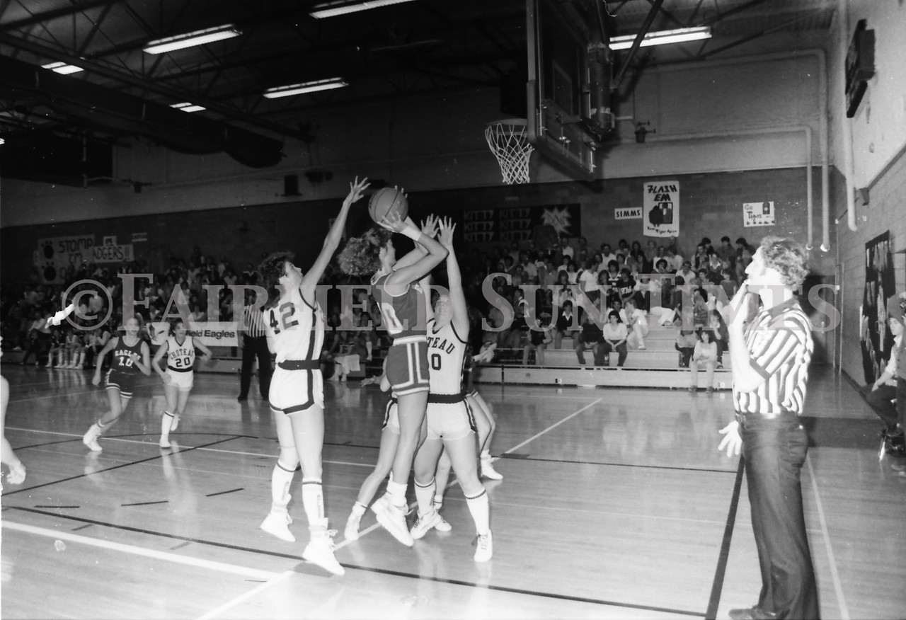 1985 11 14 FF Sun Times Dist 6 Girls BB tourney Eages v Chesgter, Choteau, Simms_20160820_0175