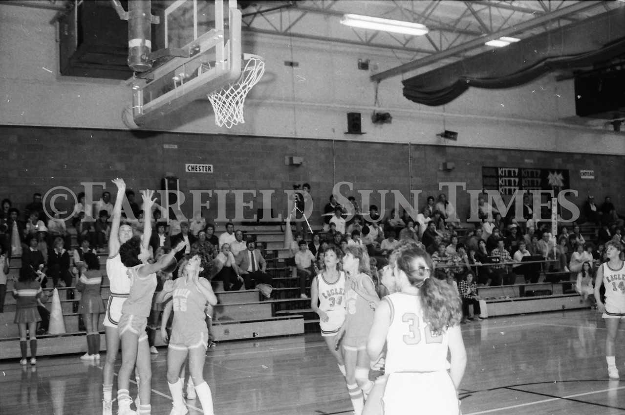 1985 11 14 FF Sun Times Dist 6 Girls BB tourney Eages v Chesgter, Choteau, Simms_20160820_0179