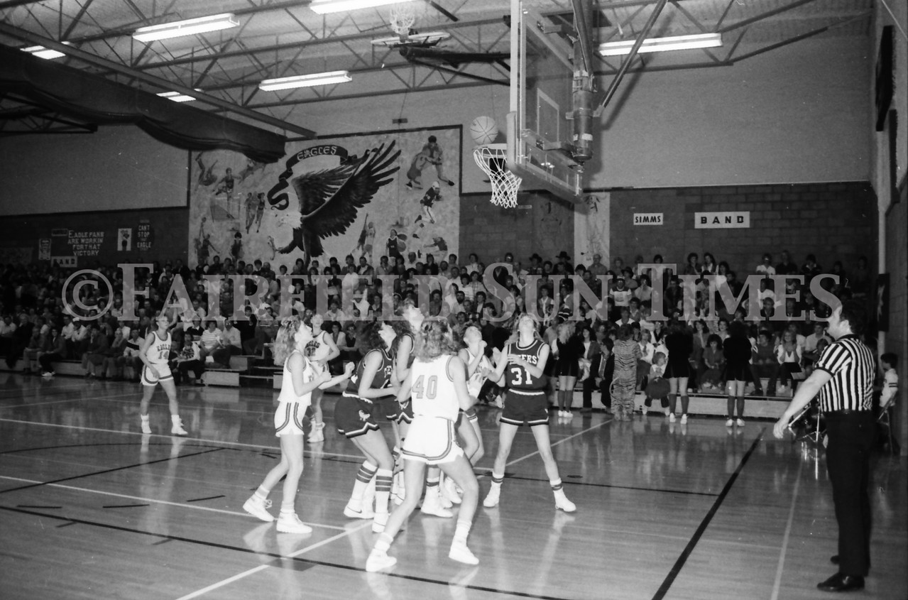 1985 11 14 FF Sun Times Dist 6 Girls BB tourney Eages v Chesgter, Choteau, Simms_20160820_0193