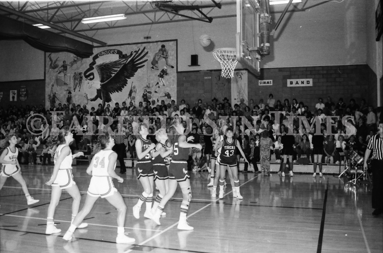 1985 11 14 FF Sun Times Dist 6 Girls BB tourney Eages v Chesgter, Choteau, Simms_20160820_0155