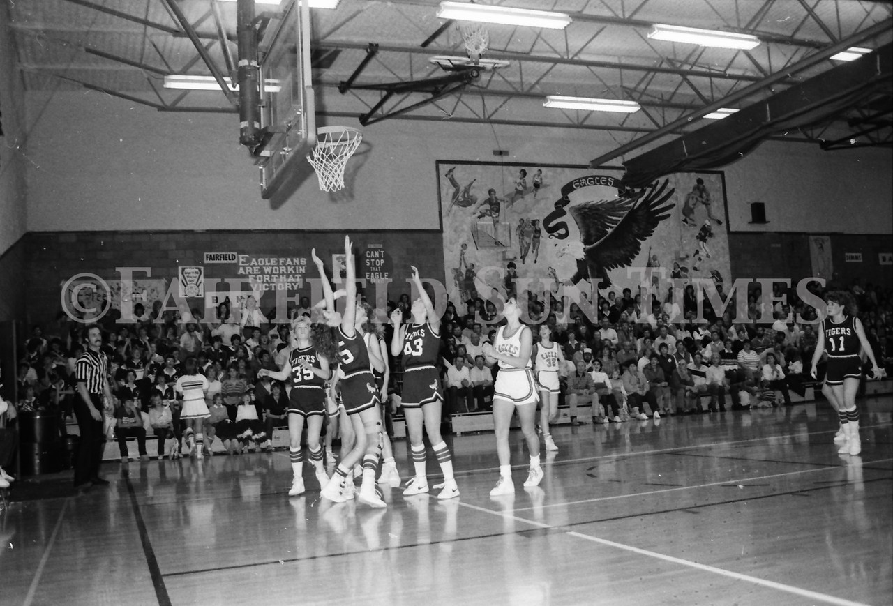 1985 11 14 FF Sun Times Dist 6 Girls BB tourney Eages v Chesgter, Choteau, Simms_20160820_0171