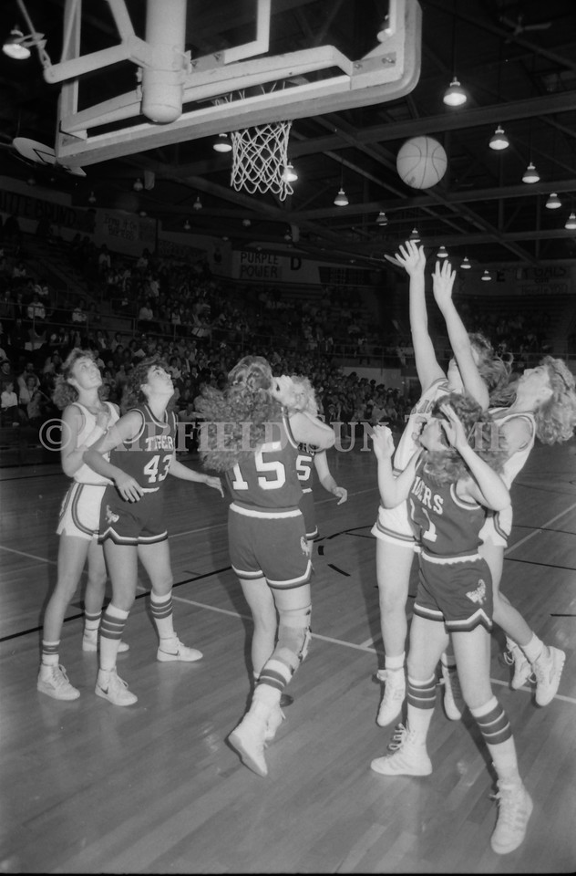 1985 11 20 FFT#47 Girls Northern B Tourney in Shelby, Fairfield vs Simms, Cut Bank_0015