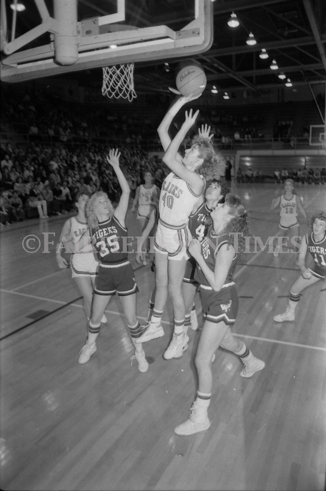 1985 11 20 FFT#47 Girls Northern B Tourney in Shelby, Fairfield vs Simms, Cut Bank_0011