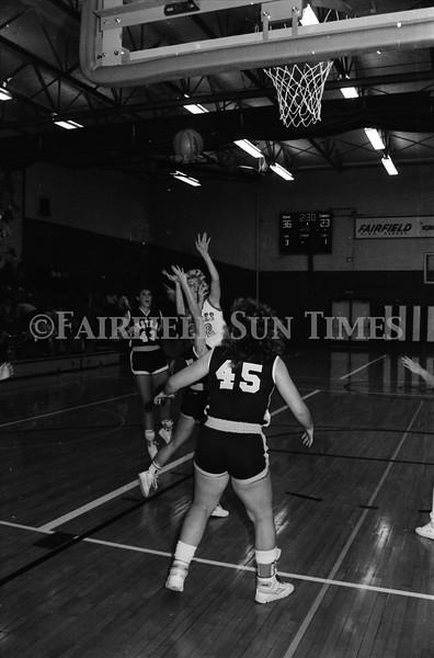 1986_10_15 Fairfield Sun Times Girls BB vs Choteau_0003