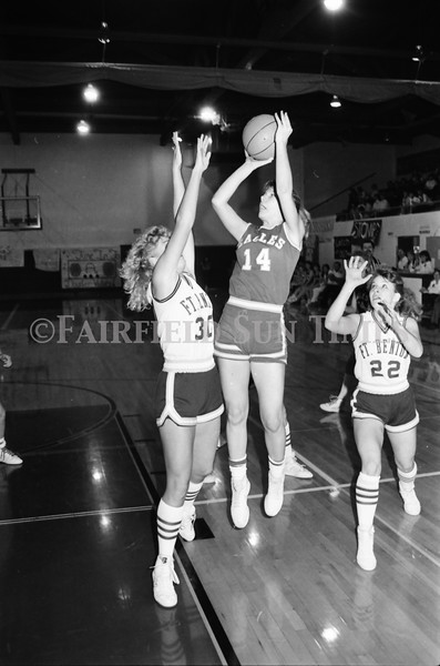 1986 11 26 FFT#48 Fairfield Girls Basketball vs Ft Benton District Tourney_0008