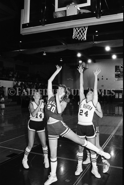 1986 11 26 FFT#48 Fairfield Girls Basketball vs Ft Benton District Tourney_0019