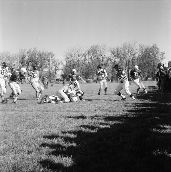FF Sun Times Fairfield at Simms Football October 1, 1973_20151113_0030