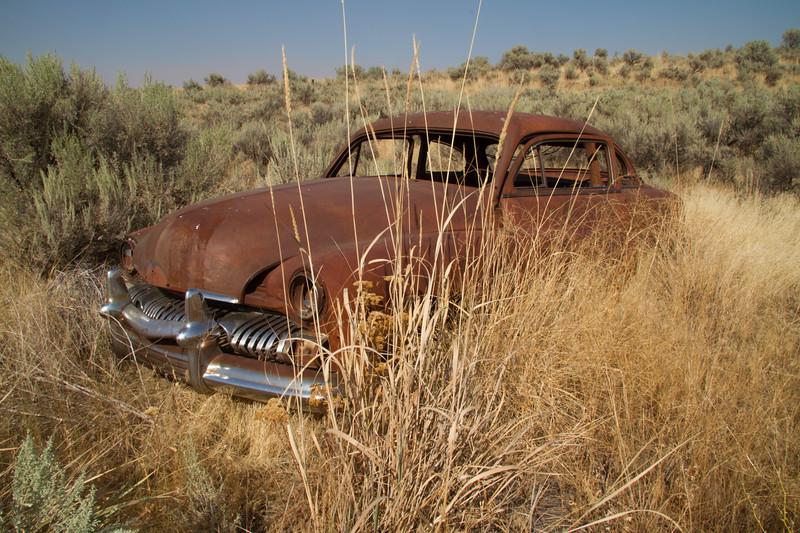Rusting classic car.
