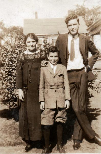 Nana Hallihan) Grady, Henry Grady, Jack Grady Sept 1924