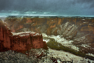 Canyon de Chely - snow flurries