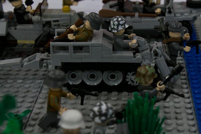 BrickFair VA 2014, tanks and soldiers charging