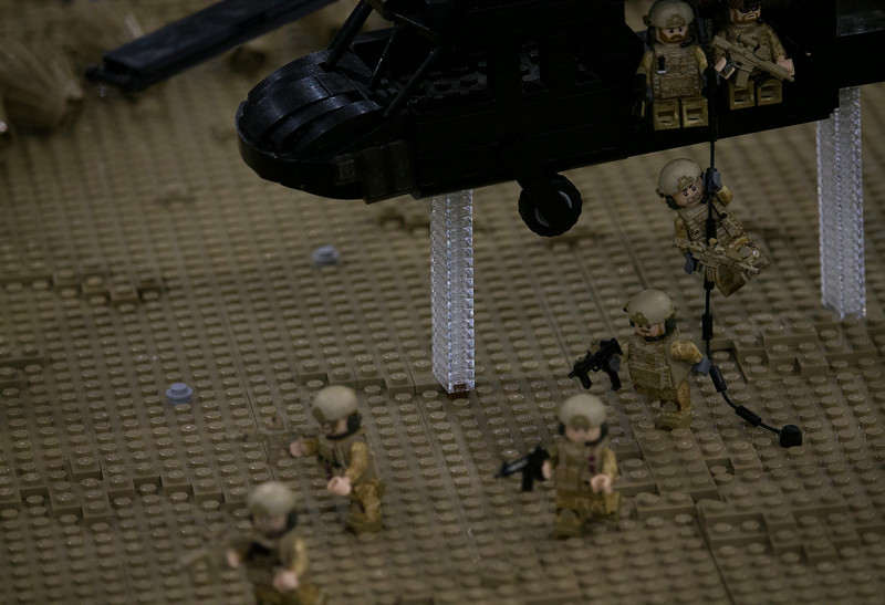 BrickFair VA 2014, soldiers exiting helicopter