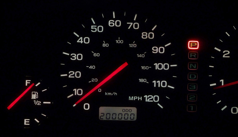 odometer with 200,000 miles