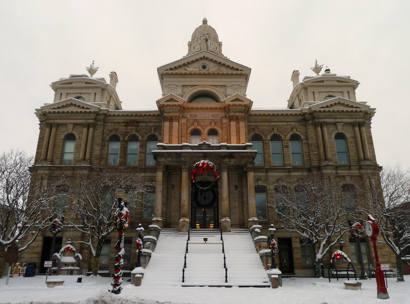 county courthouse in St. Clairsville, OH