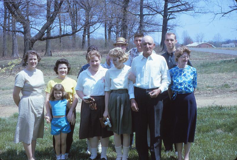 Marjorie Mueller, Robin Mueller, Shirley Mueller, ?, ? Mattie Grimm, ?, Bob Mueller, Sam Mueller, Jim Grimm, Mayda  Mueller