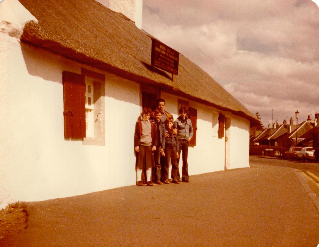 1980 04 Ann Kenny Alan Brian Eddie Burns Cottage Ayr 8 April 1980