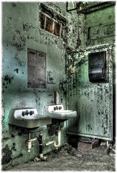 Hockessin Delaware Factory Bathroom