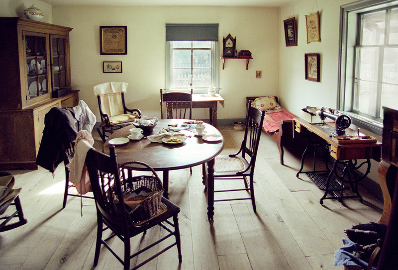 1880 Koepsell farmhouse dining room,
