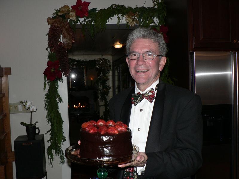 2005 Xmas Party - Jim with Cake