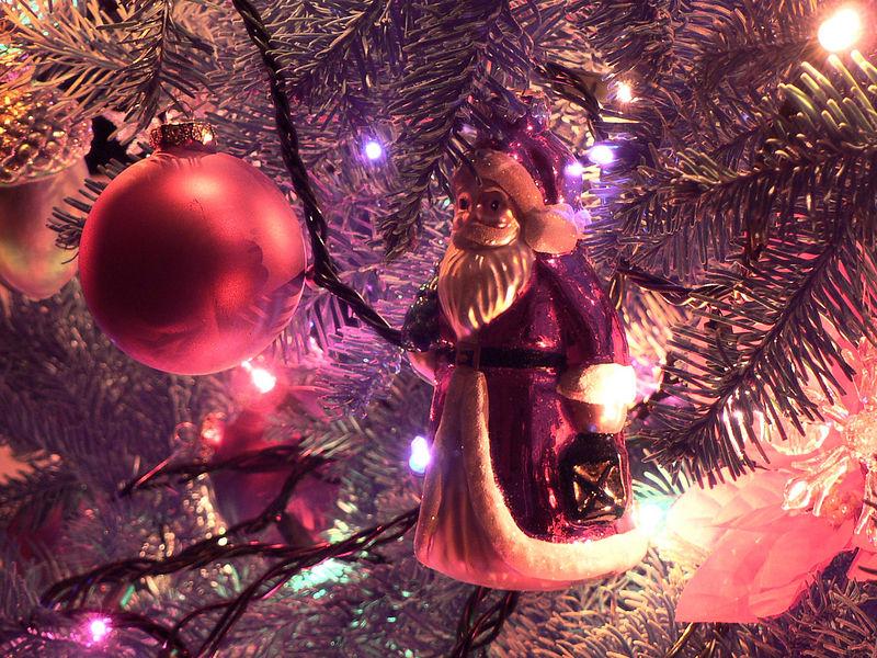 Mon 12-5-05 - Santa Ornament