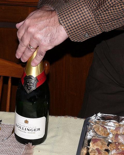 RI Dec 2006 - Xmas Eve Champagne
