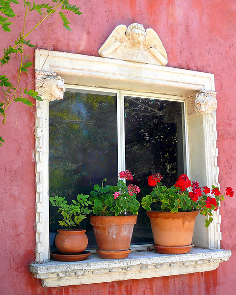 7-28-2007 - Catoga Window with Geraniums