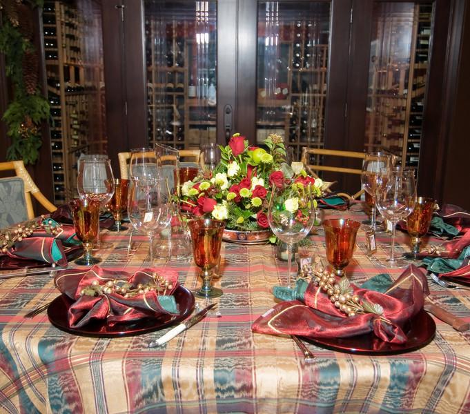 "12-6-08 <a href=""http://jmearns.smugmug.com/gallery/6766034_JExUZ#432106371_Y8ZGa"">Xmas Party</a> table."
