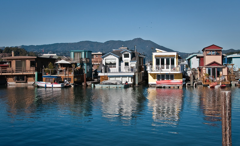 01-11-09 Houseboats and Mt Tam