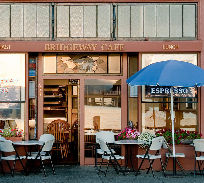 09-22-09 Bridgeway Cafe - Kara & I are getting back into walking in the AM - and she's getting in to photography, too, which makes it double the fun. This is one of our favorite breakfast places when we're out early in the morning.