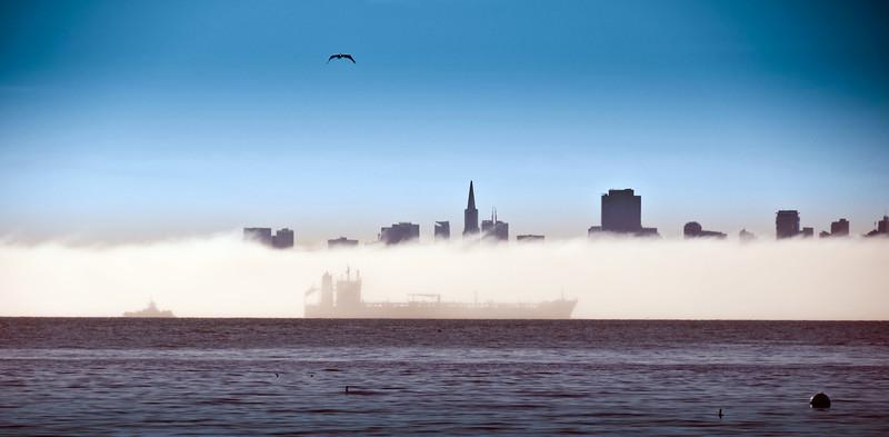 09-11-09 Sausalito Walk - SF skyline, fog & tanker-1