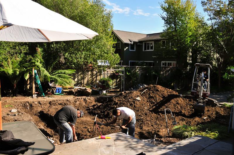 10-14-10 - LOT'S of digging