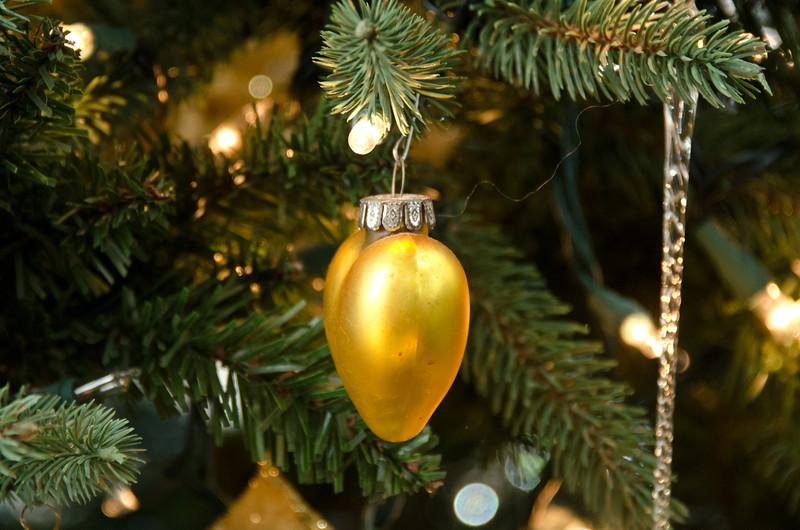 12-23-11 Xmas Decorations-21