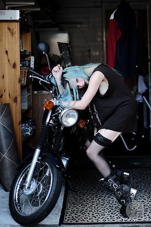 GRIMEANDGLAMOUR- louisebike-8715