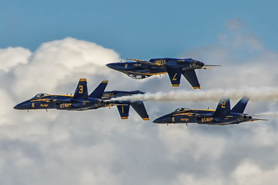 Blue Angeles 1,2,3 and 7  F/A-18 Hornet in formation._TOM8896at the NAS Miramar Air Show in San Diego-Edit